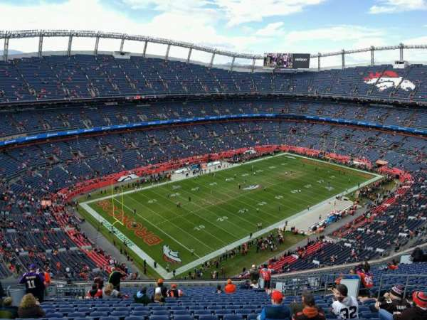 Empower Field at Mile High Stadium, sección: 641, fila: 22, asiento: 15
