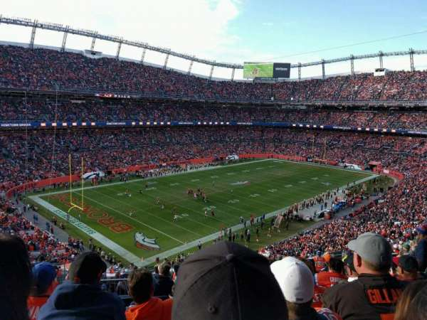 Empower Field at Mile High Stadium, sección: 345, fila: 16, asiento: 15