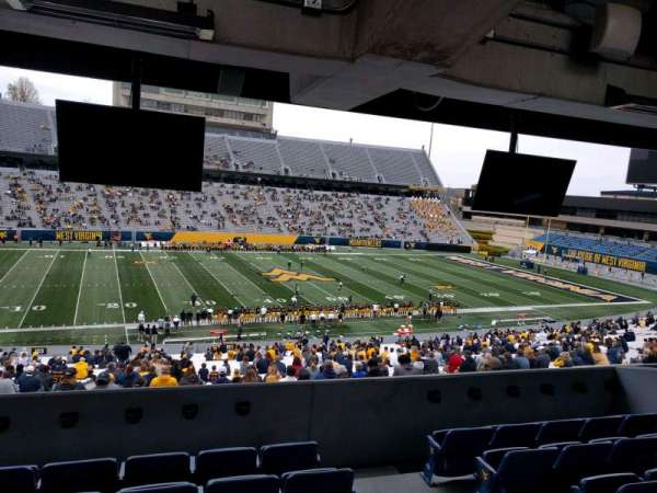 Mountaineer Field, sección: field box 12, fila: f, asiento: 103