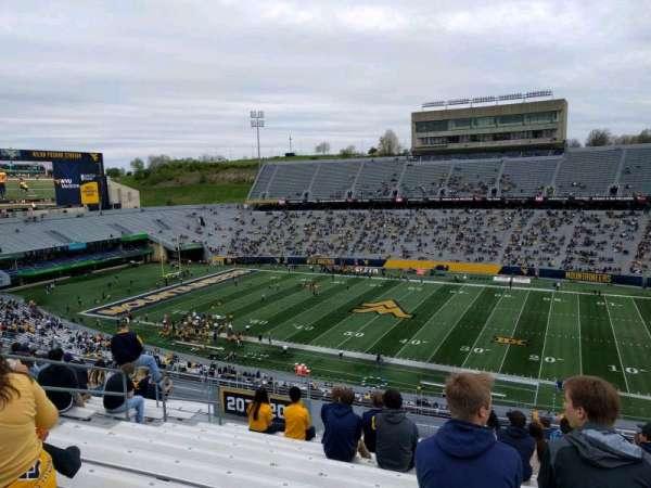 Mountaineer Field, sección: 208, fila: 18, asiento: 125