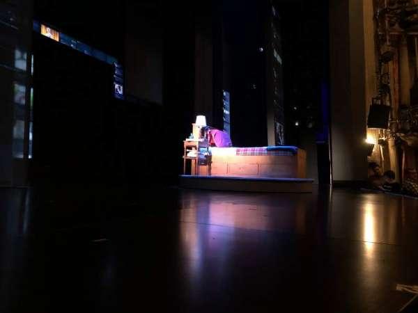 Music Box Theatre, sección: Orchestra L, fila: A, asiento: 4
