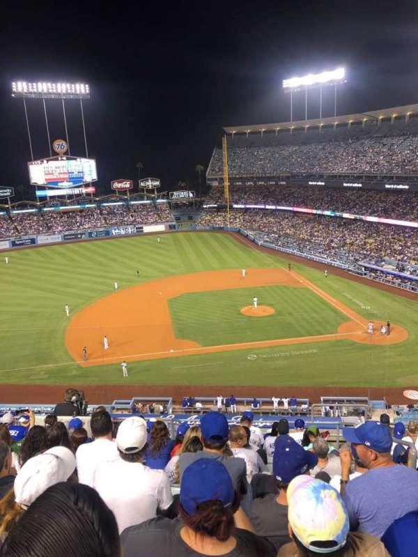 Dodger Stadium, sección: 19RS, fila: L, asiento: 2
