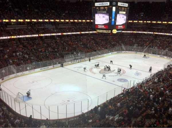 Honda Center, sección: 417, fila: A, asiento: 10