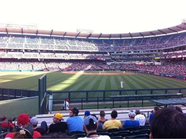Angel Stadium, sección: P258, fila: P, asiento: 2