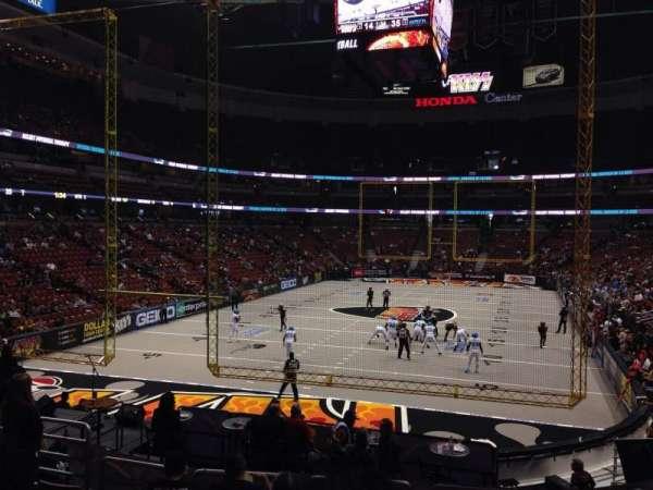 Honda Center, sección: 214, fila: S, asiento: 7