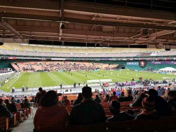 RFK Stadium, sección: 310, fila: 13, asiento: 18