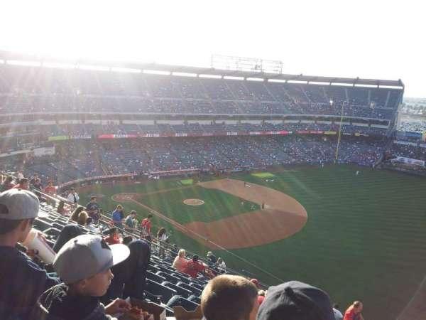 Angel Stadium, sección: V532, fila: K, asiento: 25
