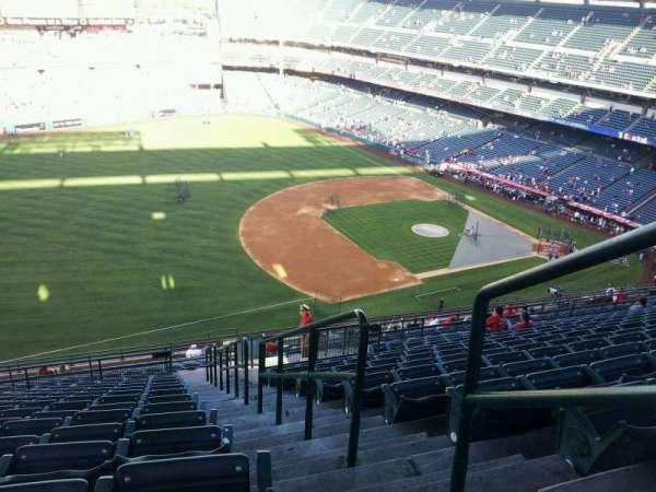 Angel Stadium, sección: V510, fila: p, asiento: 25