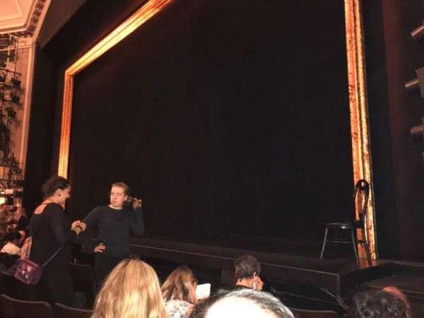 Ambassador Theatre, sección: Orchestra R, fila: D, asiento: 16
