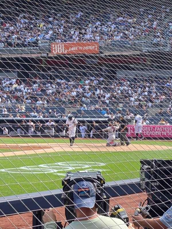 Yankee Stadium, sección: 026, fila: 1, asiento: 10