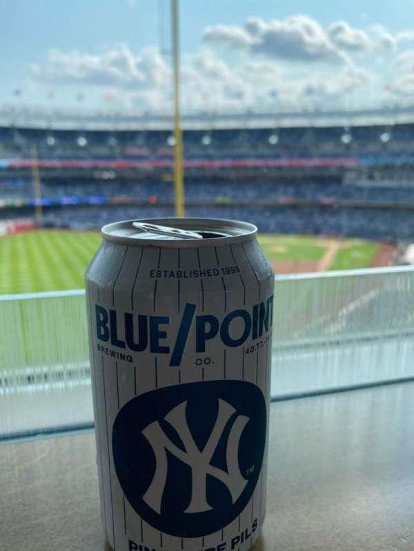 Yankee Stadium, sección: 127B, fila: 10, asiento: 4