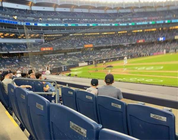 Yankee Stadium, sección: 014B, fila: 6, asiento: 3