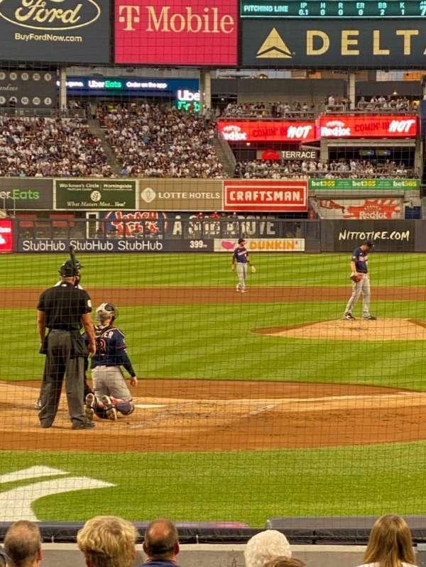 Yankee Stadium, sección: 26, fila: 14, asiento: 4