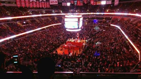 Capital One Arena, sección: 427, fila: G, asiento: 12
