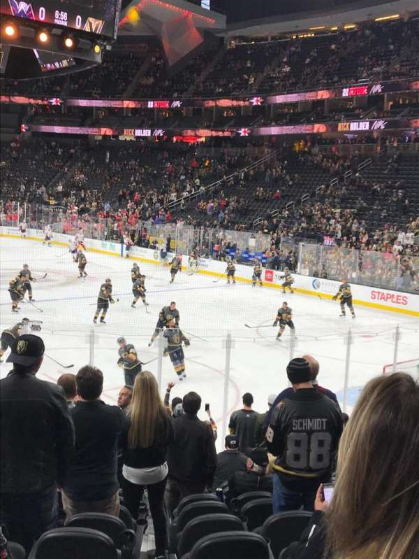 T-Mobile Arena, sección: 19, fila: M, asiento: 9