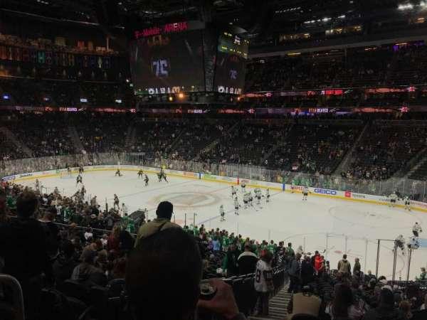 T-Mobile Arena, sección: 8, fila: Y
