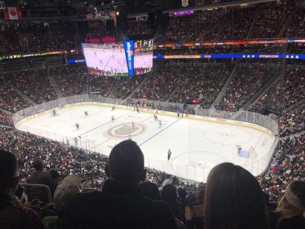 T-Mobile Arena, sección: 227, fila: G, asiento: 3