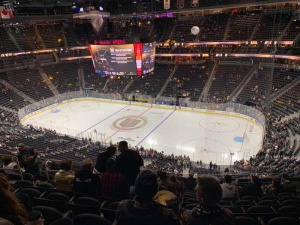T-Mobile Arena, sección: 226, fila: K, asiento: 8