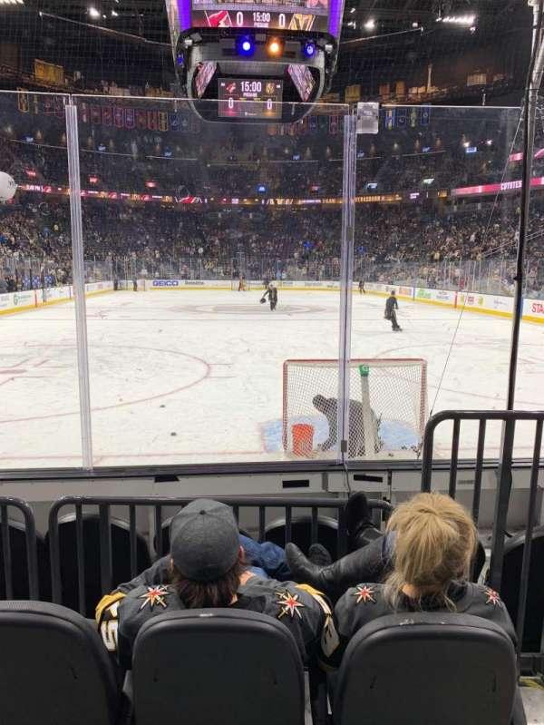 T-Mobile Arena, sección: 10, fila: C, asiento: 9