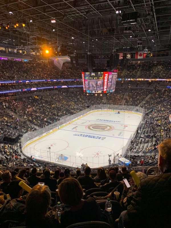 T-Mobile Arena, sección: 103, fila: M, asiento: 10