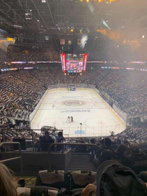 T-Mobile Arena, sección: 101, fila: K, asiento: 2
