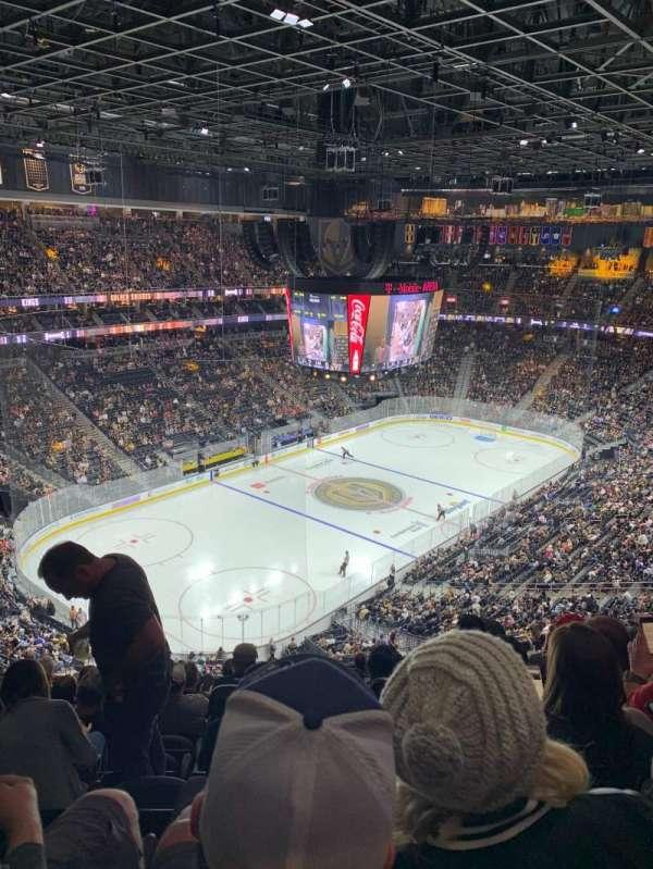T-Mobile Arena, sección: 218, fila: M, asiento: 9