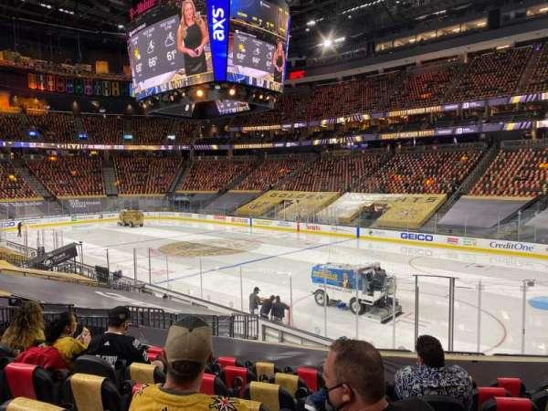 T-Mobile Arena, sección: 8, fila: N, asiento: 11