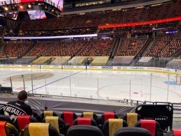 T-Mobile Arena, sección: 7, fila: J, asiento: 12