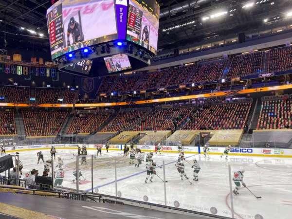 T-Mobile Arena, sección: 7, fila: F, asiento: 10
