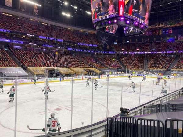 T-Mobile Arena, sección: 13, fila: F, asiento: 3