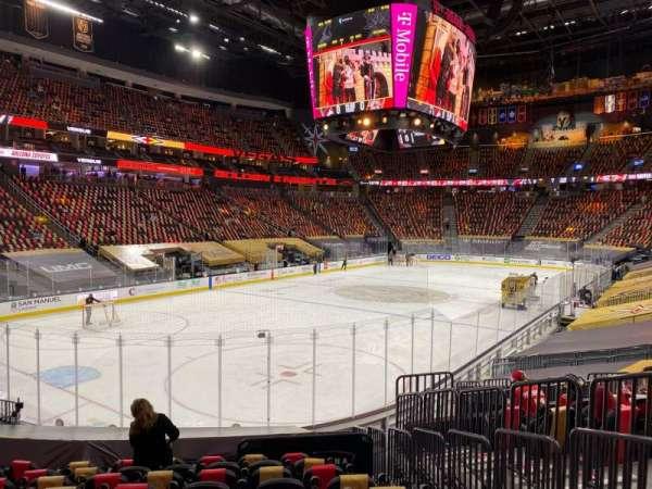 T-Mobile Arena, sección: 12, fila: N, asiento: 16
