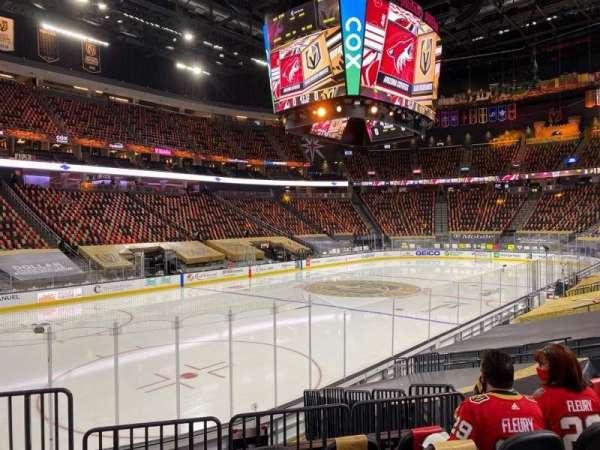 T-Mobile Arena, sección: 13, fila: K, asiento: 3