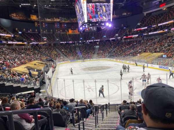 T-Mobile Arena, sección: 10, fila: N, asiento: 1