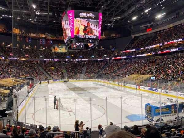 T-Mobile Arena, sección: 10, fila: L, asiento: 1