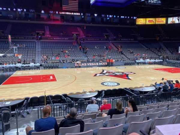 Michelob Ultra Arena, sección: 106, fila: J, asiento: 1