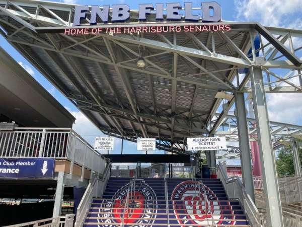 FNB Field, sección: MAIN ENTRANCE