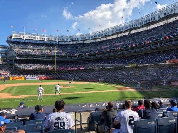 Yankee Stadium, sección: 124, fila: 1, asiento: 11