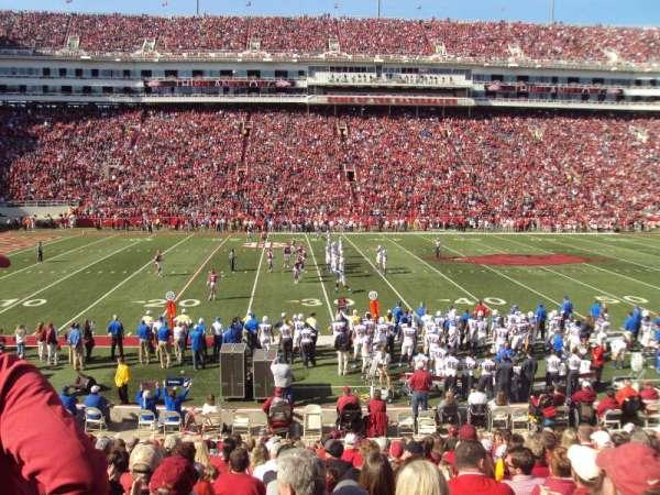 Razorback Stadium, sección: 115, fila: 18, asiento: 14-15