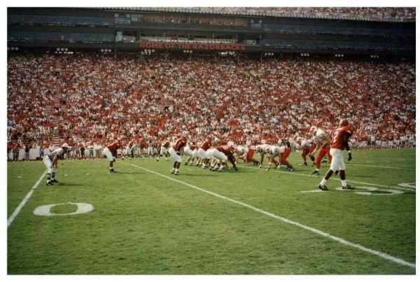 Razorback Stadium, sección: Field Pass, fila: Field Pass, asiento: Field Pass