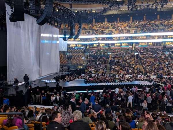 TD Garden, sección: LOGE 13, fila: 17, asiento: 11