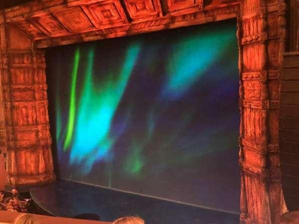St. James Theatre, sección: MEZZR, fila: D, asiento: 20