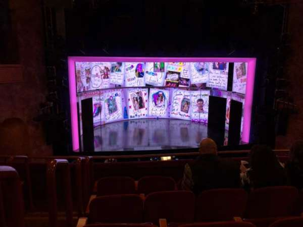 August Wilson Theatre, sección: MEZZ Center, fila: E, asiento: 114