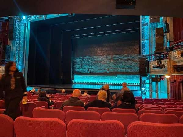Broadhurst Theatre, sección: Orchestra R, fila: N, asiento: 8
