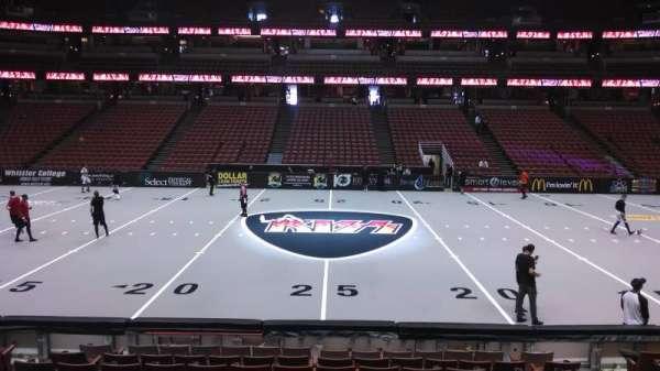 Honda Center, sección: 222, fila: L, asiento: 8