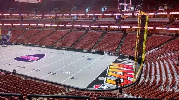 Honda Center, sección: 304, fila: C, asiento: 8