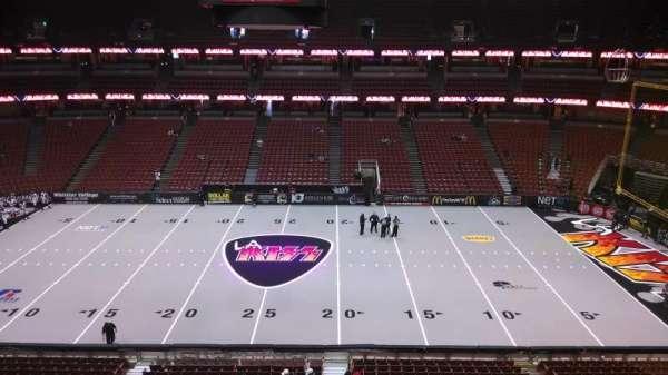 Honda Center, sección: 433, fila: B, asiento: 8