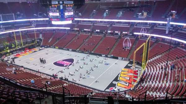Honda Center, sección: 407, fila: N, asiento: 8