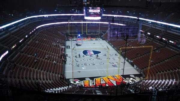 Honda Center, sección: 402, fila: N, asiento: 8