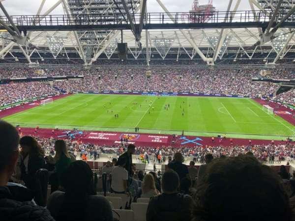 London Stadium, sección: 209, fila: 66, asiento: 394