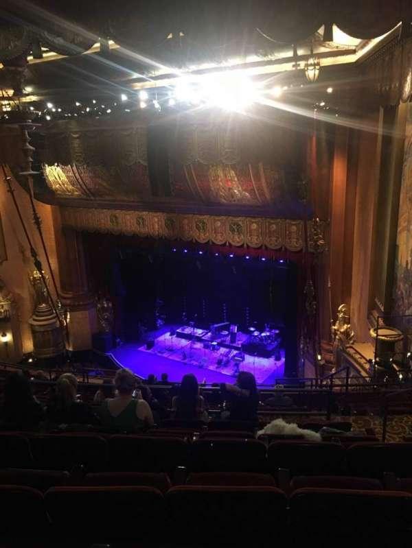 Beacon Theatre, sección: UpperBalc4, fila: L, asiento: 52